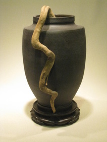 urn type ikebana vase with curvy root